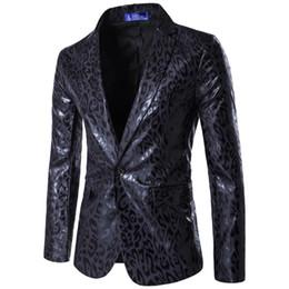 2019 il vestito promana il leopardo 2019 Primavera Uomo Suit Fashion Leopard Print Mens Blazer Casual Slim Fit Prom Dress Blazer Uomo Stage Wear Blazer Giacca maschile Suit il vestito promana il leopardo economici