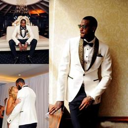 2020 esmoquin de novio de oro blanco Hermoso vestido de esmoquin de oro blanco de la solapa de los hombres del traje de los hombres del traje barato del novio de un botón (chaqueta + pantalones) por encargo esmoquin de novio de oro blanco baratos
