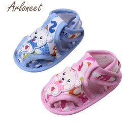 Niños zapatos de lona de dibujos animados online-Bebé niños niñas Bebé tela de algodón Lona antideslizante zapatos de dibujos animados zapatilla de deporte suave niños Toddler tela zapatos de cuna