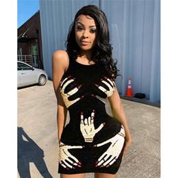 черное платье без рукавов Скидка Finger печати платье для женщин Sexy Sleeveness шеи экипажа Женщины платье Hot Style Женский клуб платье