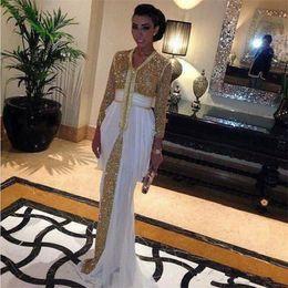 Robes de kaftan blanc en Ligne-2019 paillettes de printemps robes de bal en mousseline de soie formelle robes de soirée Abaya à Dubaï avec train blanc robe caftan marocaine caftan