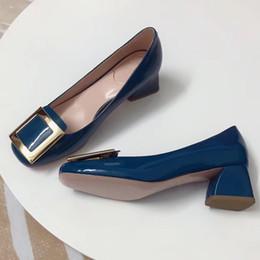 bombas para calçado Desconto Sapatos de Salto Alto Mulheres Europeu Marca Designer Chunky Sapatos de Couro Genuíno Calçado Confortável Senhoras Bombas De Luxo