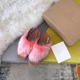 zapatillas de casa moradas Rebajas 2019 Diapositivas Invierno Diseñador de lujo Rojo Negro Gris Rosa Púrpura Piel de oveja Marca Sandalias cálidas para mujer Zapatillas Chanclas de casa gpz190702