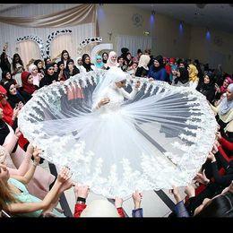 2020 velo hijab 2020 vestidos de boda de la vendimia de la manga larga musulmán Hijab velo musulmán vestido de novia de flores hechas a mano con cuentas de encaje Árabe Turco islámicos velo hijab baratos