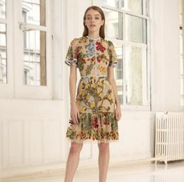 Bordado vestido gaze on-line-Grandes meninas vestidos de alta qualidade crianças lace gaze floral folhas bordados princesa vestido de verão mulheres rendas buraco colarinho falbala vestido F8939