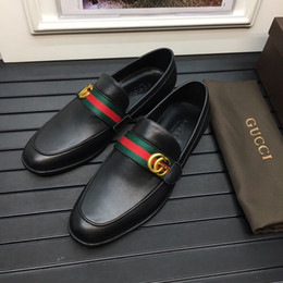 Top italienischen Designer formale Herren Kleid Schuhe Gold Leder Luxus Leder Hochzeit Schuhe Männer Müßiggänger Büro für Männer 38 45