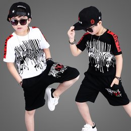 2019 coletes bonitos do zipper 2019 Conjuntos de Roupas de Verão Meninos Adolescentes Esporte Ternos de Manga Curta Camiseta Calças Casuais 4 5 6 8 10 12 13 Anos Criança Roupas de Menino