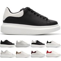 zapatos de plataforma de chicas calientes Rebajas 2019 diseñador de la venta caliente zapatos casuales chico chica hombres mujeres blanco negro oro rojo zapato de cuero plataforma clásica entrenador zapatillas de deporte tamaño 36-44