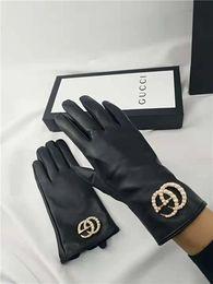 Большие кнопки пояса онлайн-2019GG осень / зима большая стандартная Жемчужная кнопка, супер мягкая в кожаных теплых перчатках, роскошное качество, полный комплект упаковочного ремня для продажи