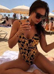 2019 New Style Luxury Bikini Swimwear per le donne Costume da bagno Beachwear Summer one piece Sexy Lady Costume da bagno Nero e oro da