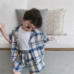 4f5907d0190ef 7 Photos Acheter en ligne Costumes de linge pour garçon-2019 style coréen  garçons plaid 2pcs ensemble