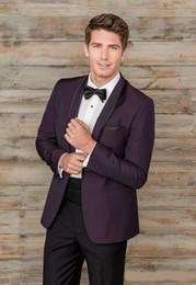 Pajarita morada oscura online-Dark Purple Tuxedos Slim Fit Trajes de Boda Para Hombre con un Botón de Novio Use Dos Piezas de Traje Formal Barato (Chaqueta + Pantalones + Pajarita)