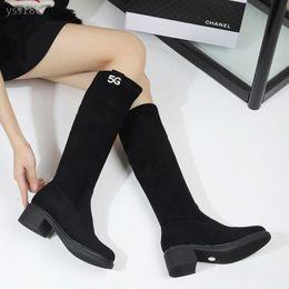Argentina 2019 nuevo otoño e invierno botas de las mujeres sobre la rodilla Era alto y delgado tubo plano del talón, además de terciopelo flaco botas mujer botas cómodo Suministro