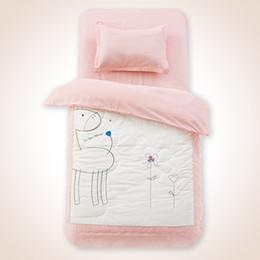 Baby-duvet-sets online-Baby Bettwäsche Set 3 Stücke Krippe ausgestattet Bettwäsche Set Baby Bettbezug Neugeborenen 100% Baumwolle bedruckte Blätter Kissen Kinderbett Sets in Krippe