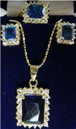 Жемчужное ожерелье набор синий онлайн-Ювелирные изделия Pearl Set 4 варианта оптовых благородный синий / розовый / красный / фиолетовый кристалл идеально подходит дизайн серьги ожерелье Бесплатная доставка