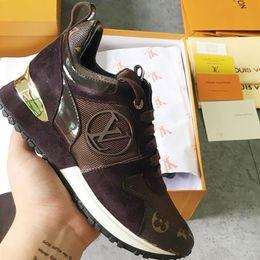 Calçados femininos Moda com Caixa Original Chaussures pour Femmes Leve Calçados Esportivos Respirável Run Away Sneaker à Venda com Caixa Original de Fornecedores de remendos bordados de qualidade