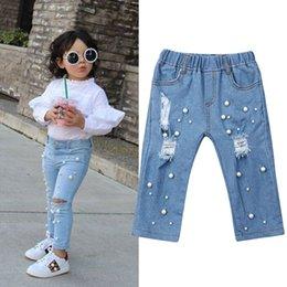 2019 24 monate mädchen jeans 2-7Y Art und Weise Säuglingsbaby-Kind-Mädchen-Hosen-Sommer-beiläufige zerrissene Loch-Jeans-Denim-Hosen-elastische Hose