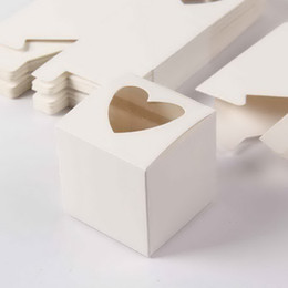 Boîtes de petit gâteau en PVC simples en forme de cœur de fenêtre en gros-2019 Nouveau style Boîtes de petit gâteau simples pour le parti 48pcs ? partir de fabricateur