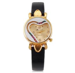 Платья с бриллиантами онлайн-Женская мода леди малый циферблат форме сердца Алмаз кожа смотреть новые дамы досуг повседневная dress кварцевые наручные часы