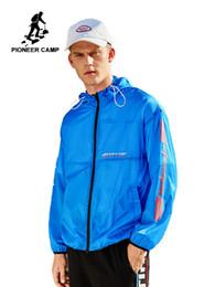 MensWomen Skin Vestes Manteaux Imperméables Sports de Plein Air Marque Vêtements Camping Randonnée MasculineFemme AJK901044 ? partir de fabricateur