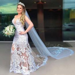 Velos de organza online-2020 nuevos vestidos de boda de la sirena del tren de barrido con velo largo elegante atractivo del V cuello de la ilusión de encaje Vestidos de novia Vestidos de novia