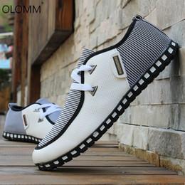 Scarpe da uomo di grandi dimensioni Business Casual Youth Uomo Primavera Autunno Inghilterra Scarpe Tenis Masculino Adulto Platform Sneakers Mocassini
