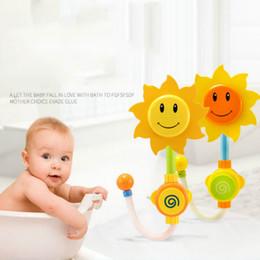 Vermisse plastik online-U-miss 2 STÜCKE Baby Lustige Wasserspiel Badespielzeug Baby Badauslauf Spielen Schwimmen Badespielzeug Sommer Baden