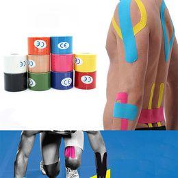 cuscinetti a gomito a maglia Sconti 5cm * 5 centimetri Sport muscolare nastro benda di cotone Kinesiology Tape primo adesivo elastico soccorso muscolare bendaggio Physio Cure Injury