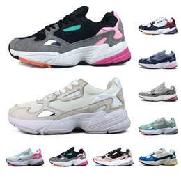 chaussures de pastèque femmes Promotion Nouveau 2019 adidas Falcon Chaussures de course pour hommes femmes Sliver MULTIPLE COLORS Watermelon Triple blanc sport marche sneaker mens formateurs 36-45