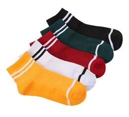 2019 meias para adolescentes Moda feminina teens meias listradas meias Casual algodão sobre o tornozelo quatro estações Meias de Natal prsents meias para adolescentes barato