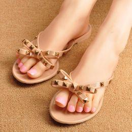 decore sandálias Desconto Frete Grátis 2019 nova Europa e EUA verão legal chinelos nova moda arco sandálias sandálias de praia decorado com rebites