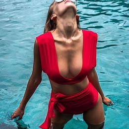 красный бикини шеи Скидка Женский сексуальный купальник с V-образным вырезом и бретельками Red Beach Swimwear Купальный костюм из двух частей Женский 2019 Лето Новый бикини с высокой талией
