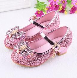 zapatos de boda de cristal cuñas Rebajas Zapatos de boda de fiesta plateados para niñas calientes Zapatos de princesa Cristales de cuero con brillo Diamantes de imitación Cuña Nudo de mariposa Zapatos de cuero para niños