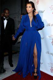 2019 vestiti convenzionali sexy kim kardashian Kim Kardashian Royal Blue Celebrity Dress Plus Size Maniche lunghe Deep Plugging Formal Red Carpet Dress Front Slits Abito da sera vestiti convenzionali sexy kim kardashian economici