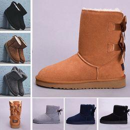 Bottes en cristal de neige en Ligne-Bouton en cristal WGG hiver Australie Bottes de neige classiques de la mode chaussures en cuir véritable Bailey Bowknot femmes arc genou baskets hommes