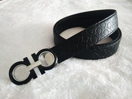 Argentina Con la caja para hombre Cinturón de lujo Diseñador Cinturones superiores nuevo Big Buckle Men Belt Fashion Envío gratis Suministro