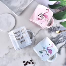 Tazze di caffè in ceramica rosa online-Flamingo Ceramics Coffee Tumblers Pink Colore Marmorizzazione Creativa Tazze di acqua Resistente al calore Cartoon Adolescenti Office Cup 8 5md E1