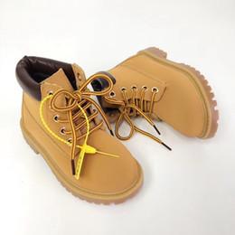 En Kaliteli Çocuk Botları Marka Tasarımcısı Toddler Ayakkabı Erkek Kız Su Geçirmez Ayak Bileği Çizmeler Kış Sonbahar Martin Boot nereden