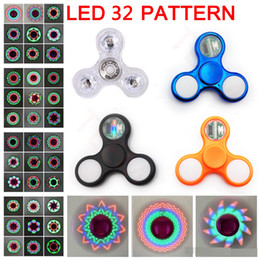 Chrom led leuchtet online-LED Fidget Spinners 32 Blitzlicht Chrom mit Schalter galvanisieren Kristall Hand Spinner Kreisel Spielzeug Metallic Farbe Torqbar Handspinner