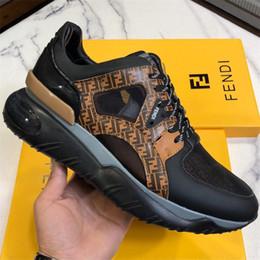 Итальянская мода Роскошные дизайнерские туфли мужские многоцветные кожаные низкие топы панелями коренастый подошва кроссовки человек фантазии монограмма Бегун кроссовки коробка от