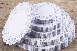 Canada Gâteau huile-absorbin papier Creative Vintage Napkin Romantique Creuse Dentelle Papier Dentelles Porte-Gâteaux Artisanat Papier Doyleys pour la Décoration De Mariage cheap vintage paper napkins wedding Offre