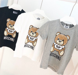 cópia nova do estilo do menino Desconto Crianças Designer de T Shirt Meninos de Luxo Padrão de Urso Mangas Curtas Meninas Marca Carta Impresso Top T 2019 Verão Novos Roupas Infantis 3 ESTILOS