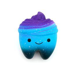 Regalo di alta qualità per bambini morbido sfogo antistress smiley blu stellato bellissimo pacchetto jumbo galaxy dente squishy da