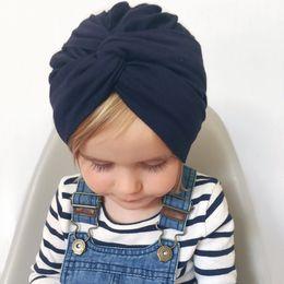 Bouchon de nouveau-né en couleur unie en Ligne-Nouveau-né chapeau bonnet bébé Turban Knot Beanie enfants couleur unie chapeaux Toddler photographie accessoires Cap AAA1810