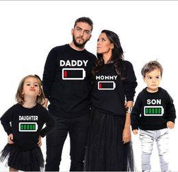 ropa de aspecto familiar Rebajas Ropa familiar a juego de otoño Madre Hija Trajes Padre Hijo Camiseta de manga larga Impresión Batería Camiseta creativa Look familiar