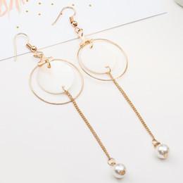 I monili geometrici del modello online-Gioielli nappa lunga orecchini per le donne lungamente grande ciondola gli orecchini modo di colore dell'oro di Shell orecchino di goccia Multi-modellato orecchini geometrici