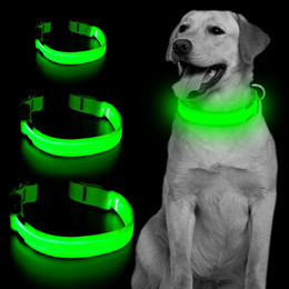 Collare per cani in nylon regolabile con collare di sicurezza a LED con fibbia in metallo alta visibilità nelle passeggiate notturne per collari riflettenti per cani da