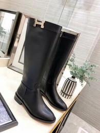 Zapatos de mujer de corte alto online-Envío gratuito Botas de mujer de cuero de corte alto Zapatillas de mujer de alta calidad Zapatos sexy Hola tacón Botas cálidas Moda para mujer