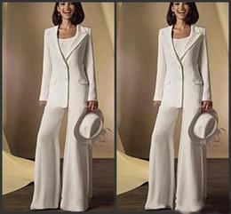Zarif Beyaz anne Gelin Pantolon Takım Elbise 2 Parça Saten Pantolon Ceket Örgün Durum Giyim Düğün Konuk Elbise Artı Boyutu ucuz parti supplier plus size satin suits nereden artı boyut saten takımlar tedarikçiler