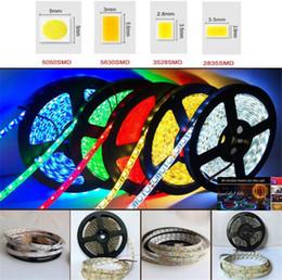Decorazioni a strisce online-Impermeabile LED Strip 2835/5050/5630 / bianco caldo 5M 60Leds / M 300LED SMD RGB Lampade flessibile della decorazione della casa di illuminazione